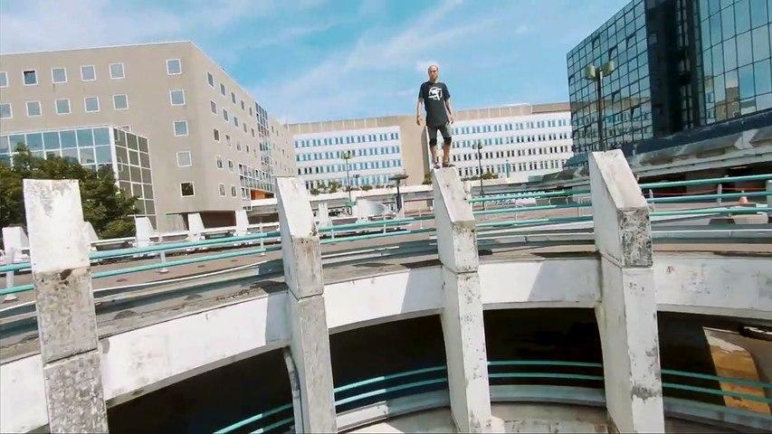 Parkour dans Paris : ils sautent dans tous les sens !