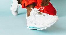 Une paire de Nike, contenant de l'eau bénite, vendue 2 700 € par des artistes dénonçant « la culture de la collab' »