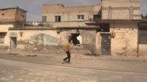 Una vida normal en la zona cero de la guerra, pese a los funerales