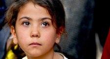 Şehit olan küçük Elif'in cenazesine kardeşinin bakışları damga vurdu