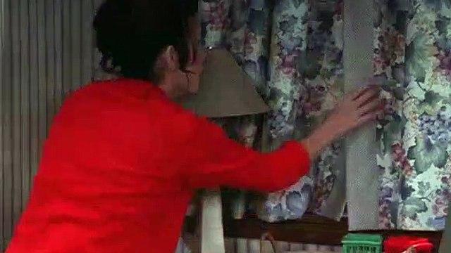 Everybody Loves Raymond S04E01 Boob Job