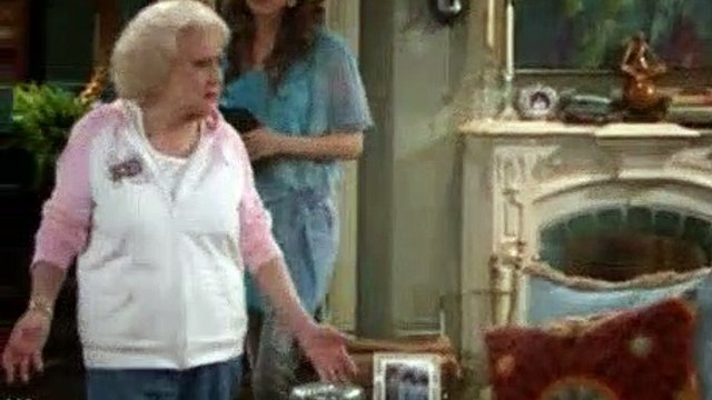 Hot In Cleveland Season 2 Episode 4 Sisterhood of the Traveling Spanx