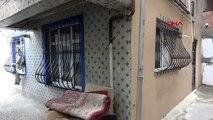 sultangazi'de 16 yaşındaki çocuk annesini döven babasını öldürdü