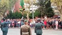 Himno de España en la avenida de Galicia de Pamplona por la festividad de la patrona de la Guardia Civil