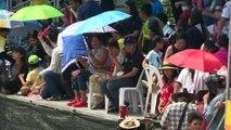Büffel donnern bei traditionellem Rennen in Thailand durch den Schlamm