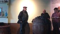 Visite de l'exposition en chansons...douarnenistes!