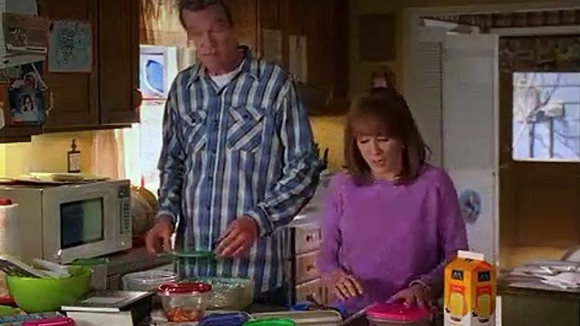 The Middle S07E14 Film, Friends and Fruit Pies