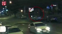 Trafik kazasına karışan aracın mağazaya girme anları kamerada