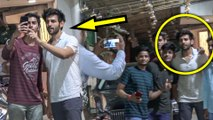 Kartik Aaryan SWEET MOMENTS With His Fans   SPOTTED
