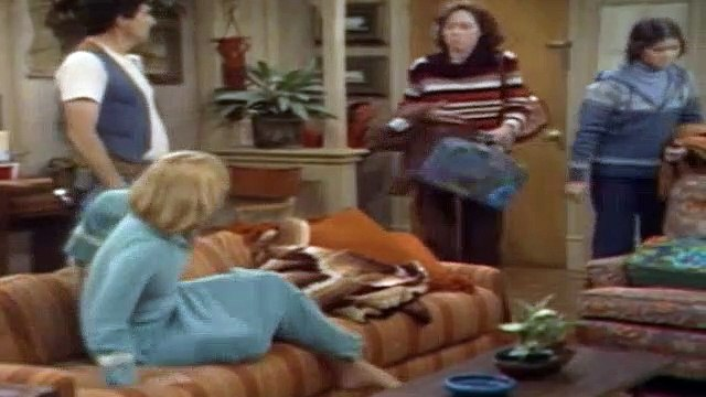 One Day at a Time Season 3 Episode 7 The Second Mrs. Cooper