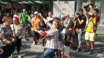 Brutal agresión en Tarragona a una mujer con la bandera de España