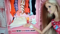 Barbie Leticia bañando y alistando al bebé para su Bautizo! Totoykids