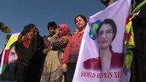 Siria, funerali di Hevrin Khalaf l'attivista per le donne uccisa