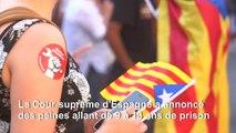 Espagne: jusqu'à 13 ans de prison pour les indépendantistes catalans, manifestation à Barcelone
