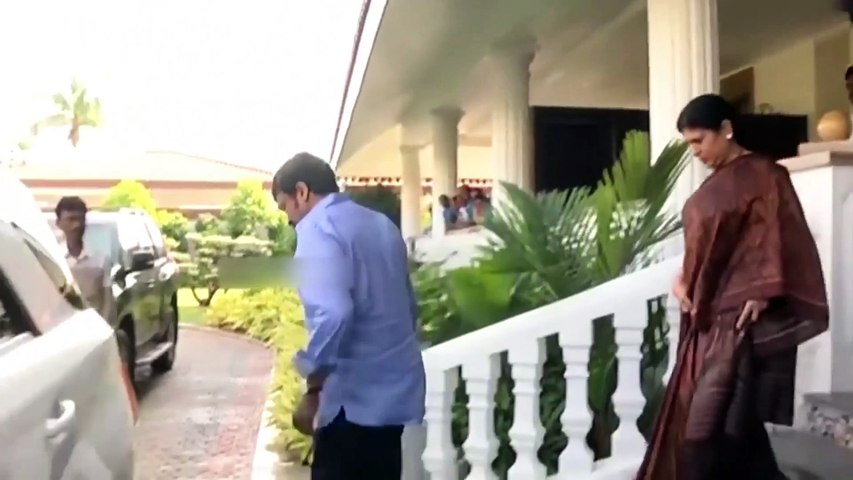 Chiranjeevi meets Andhra CM Y. S. Jaganmohan Reddy