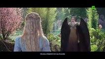 Maléfica Maestra del Mal - Clip de la Película -  ¿Lo transformarás en una cabra? - Angelina Jolie, Elle Fanning