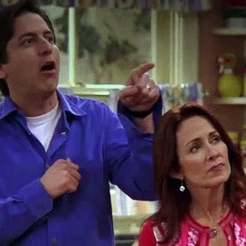 Everybody Loves Raymond S09E15 Pat's Secret