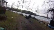 Il oublie le frein à main et sa voiture fini au milieu du lac gelé
