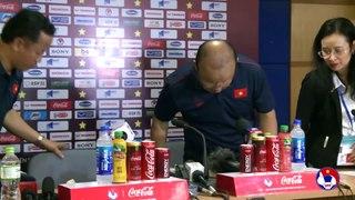 HLV Park nói về chấn thương của Tuấn Anh | Họp báo sau trận Việt Nam - Malaysia | VFF Channel