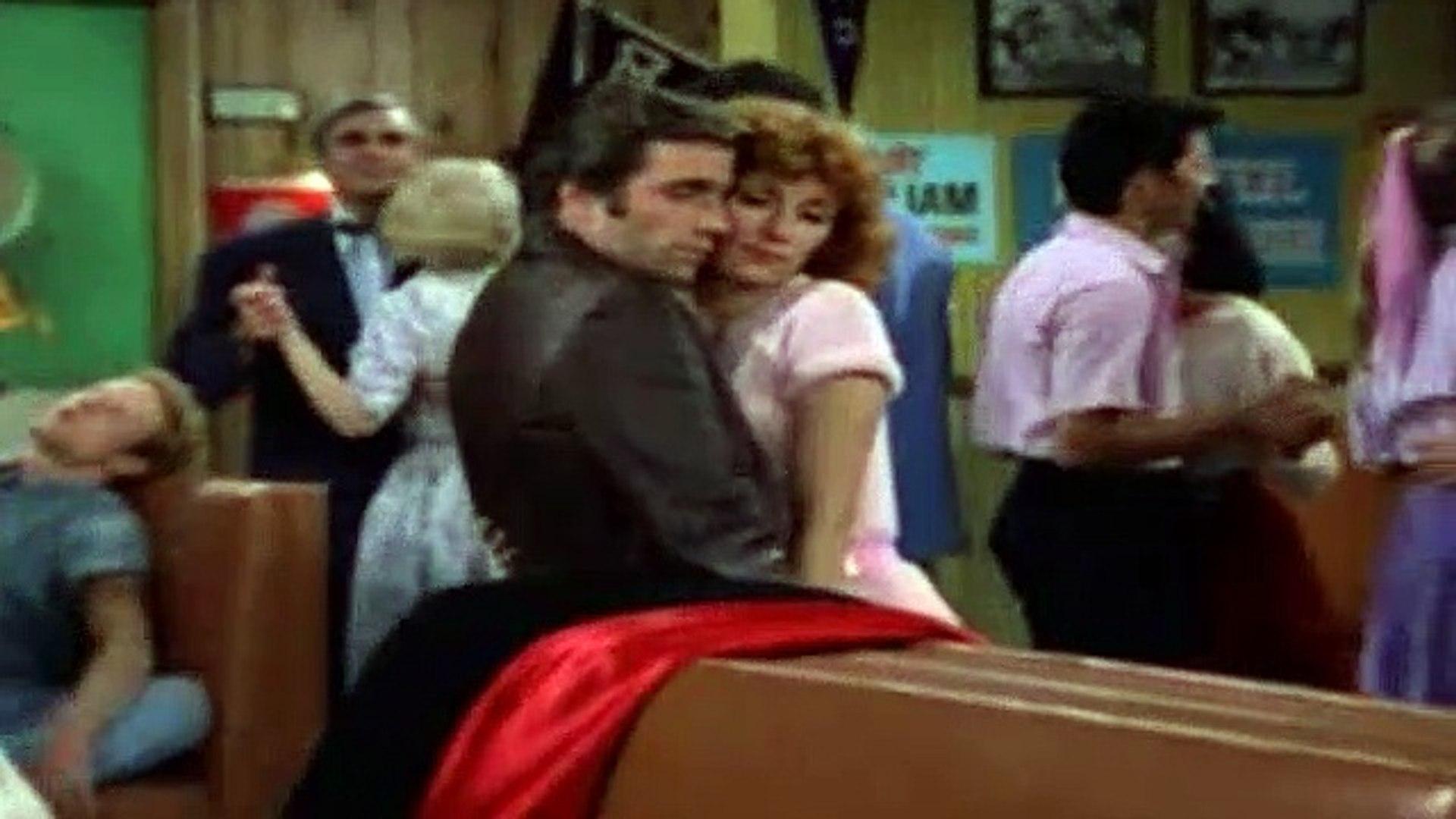 Happy Days Season 4 Episode 1 Fonzie loves Pinky Part 1   2