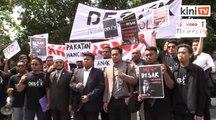 Protes depan Parlimen kerana kecewa Belanjawan 2020 tidak sentuh golongan mahasiswa