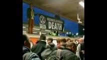 Aktivisten blockieren U-Bahn in London - Pendler werden gewalttätig