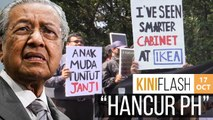 Disappointed students gather outside parliament, chant 'destroy Harapan' | KiniFlash - 17 Oct