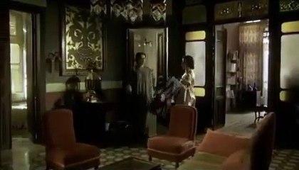 مسلسل اسمهان شوفوا ذكاء الأميرة علياء حلت مشلكة اسمهان بخصوص فستان الحفلة إزاي