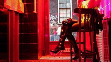 حي تجارة الجنس في هولندا - انزعاج السكان من السياح