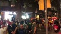 Españoles  manifestándose en contra de los Separatistas