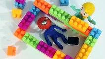 Princesa Elsa en el Baño y Spiderbaby en la Ducha  Dibujos Animados Infantiles Play Doh Stop Motion
