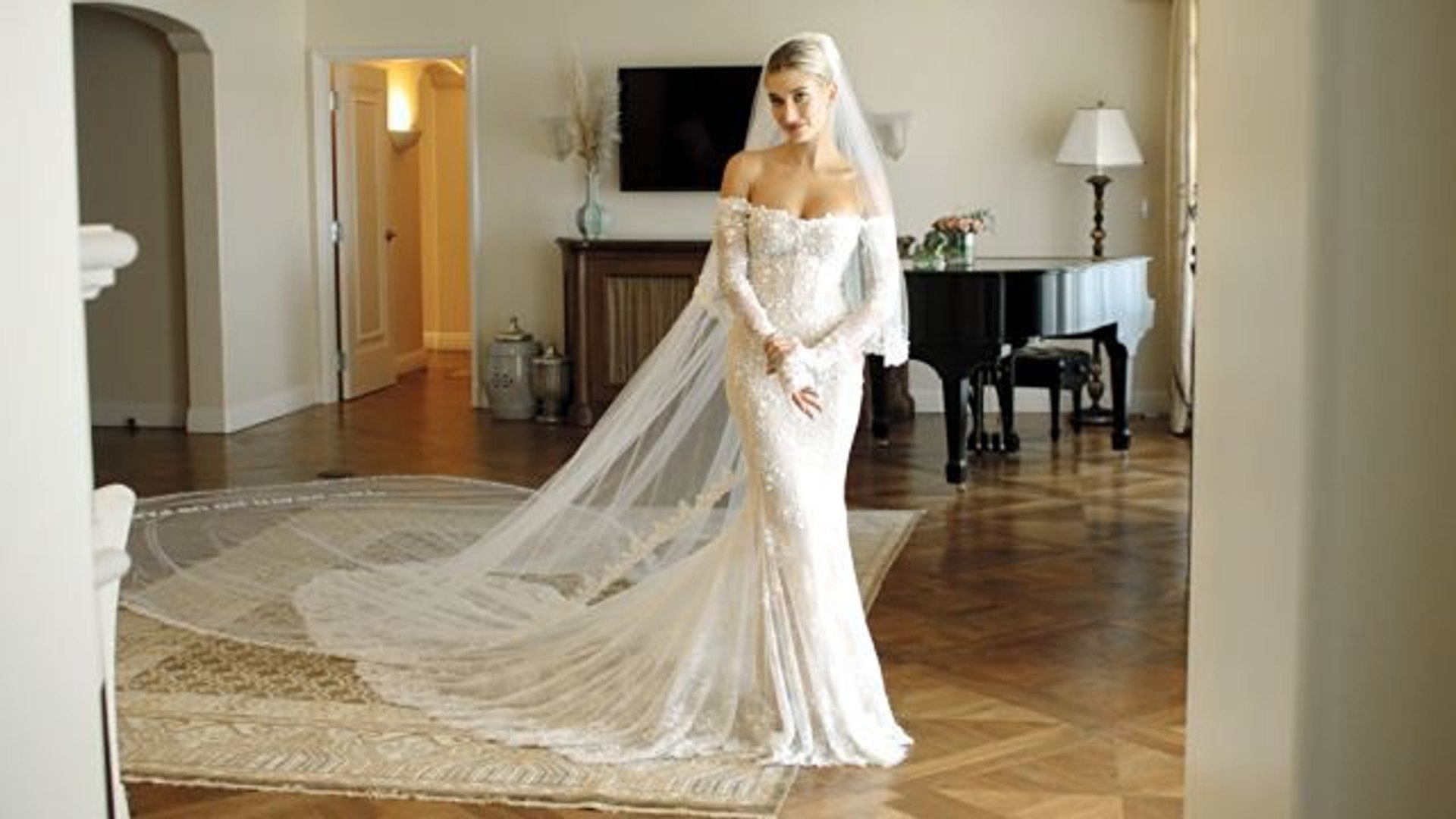 Inside Hailey Bieber S Final Wedding Dress Fitting Video Dailymotion