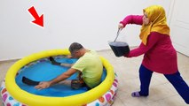 İn The Pool COCA Cola PRANK & Ayşe's JOKES
