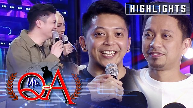 Vhong introduces Jhong's twin, Jhing | It's Showtime Mr. Q and A