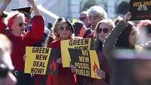 Les images de l'actrice Jane Fonda arrêtée une nouvelle fois lors d'une manifestation organisée à Washington en faveur de la lutte contre le réchauffement climatique