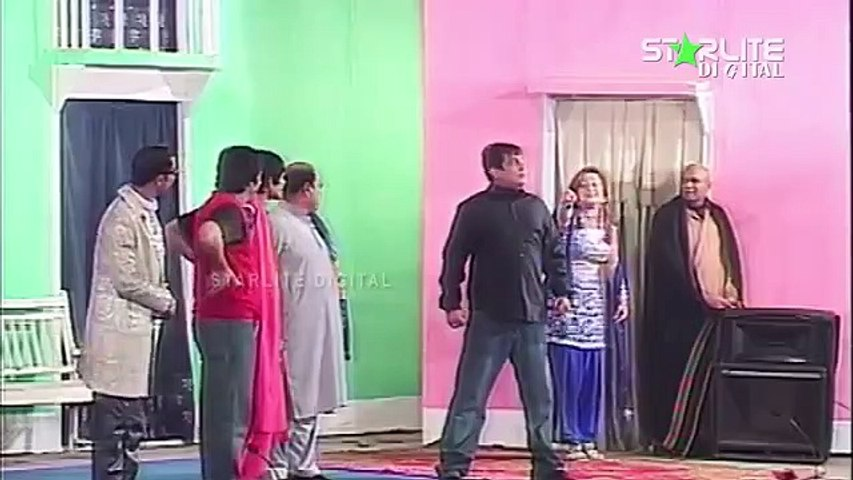 Aashiq 20 20 Nargis and Agha Majid New Pakistani Stage Drama Trailer Full Comedy Funny Play,p9