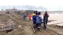 Represa se rompe na Sibéria