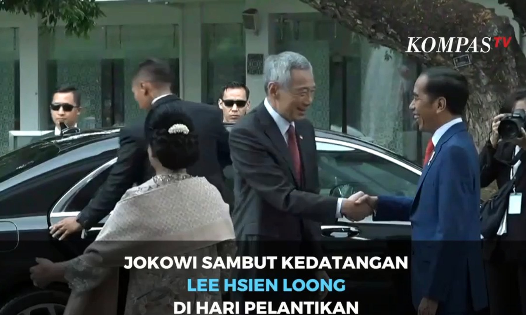 Jokowi Sambut Kedatangan Lee Hsien Loong di Hari Pelantikan