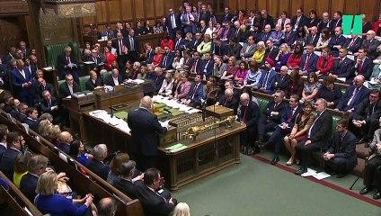 """Johnson implore les députés de voter le Brexit pour éviter un report """"destructeur"""""""