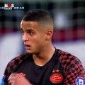 La forte émotion de ce jeune joueur de 17 ans du PSV...