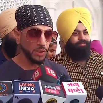 Jazzy B and his daughter in Golden Temple Amritsar
