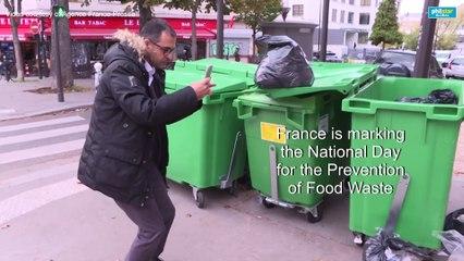 Food waste: hunting through the garbage in Paris