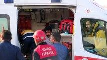 - Sivas'ta trafik kazası: 1'i ağır 4 yaralı- Sivas'ta otomobil ile pikapın çarpışması sonucu meydana gelen kazada 1'i ağır 4 kişi yaralandı