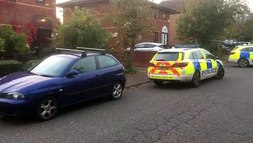 Armed police swoop on address in Crownhill Milton Keynes (October 21 2019)