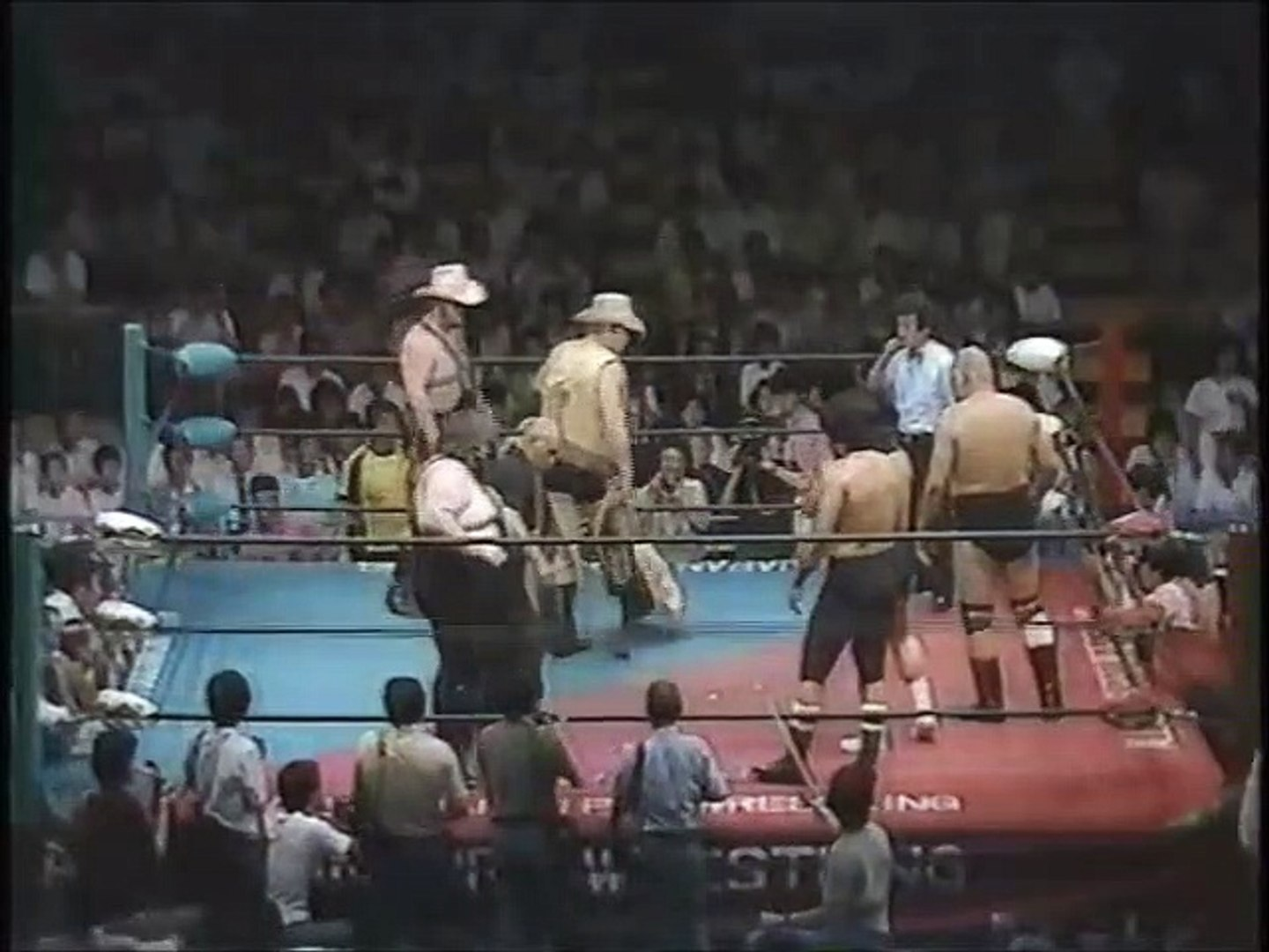 Riki Choshu/Yoshiaki Yatsu/Killer Khan vs Stan Hansen/Crusher Blackwell/Texas Red (All Japan July 27