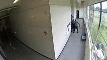 Un professeur arrête un élève armé d'un fusil dans un lycée aux États-Unis