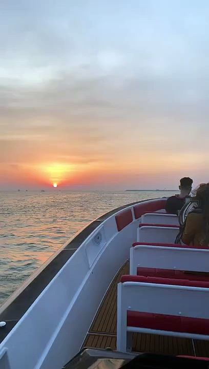 Boat Ride Dubai – The Black Boats