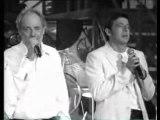 Serge LAMA avec Les Enfoirés de l' An 2000