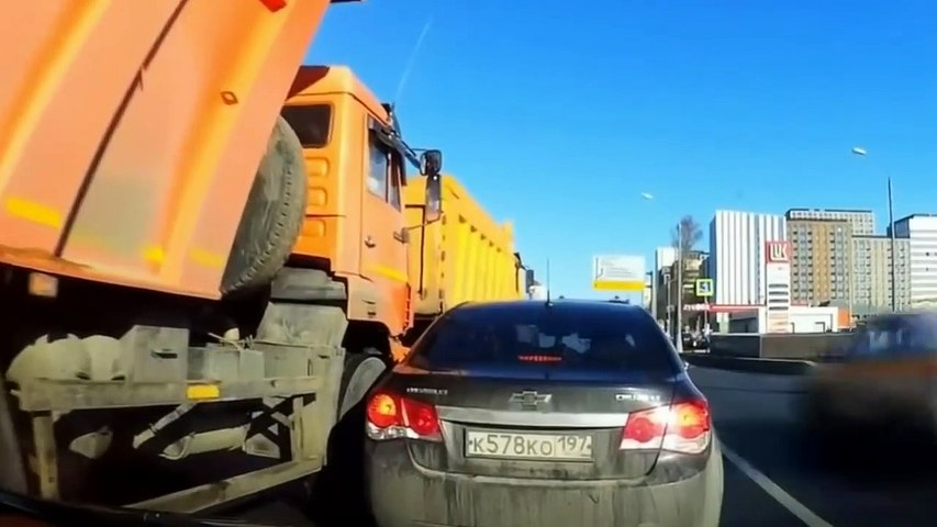 TRUCK CRASH AND FAIL COMPILATION, IDIOT TRUCK DRIVERS 2019