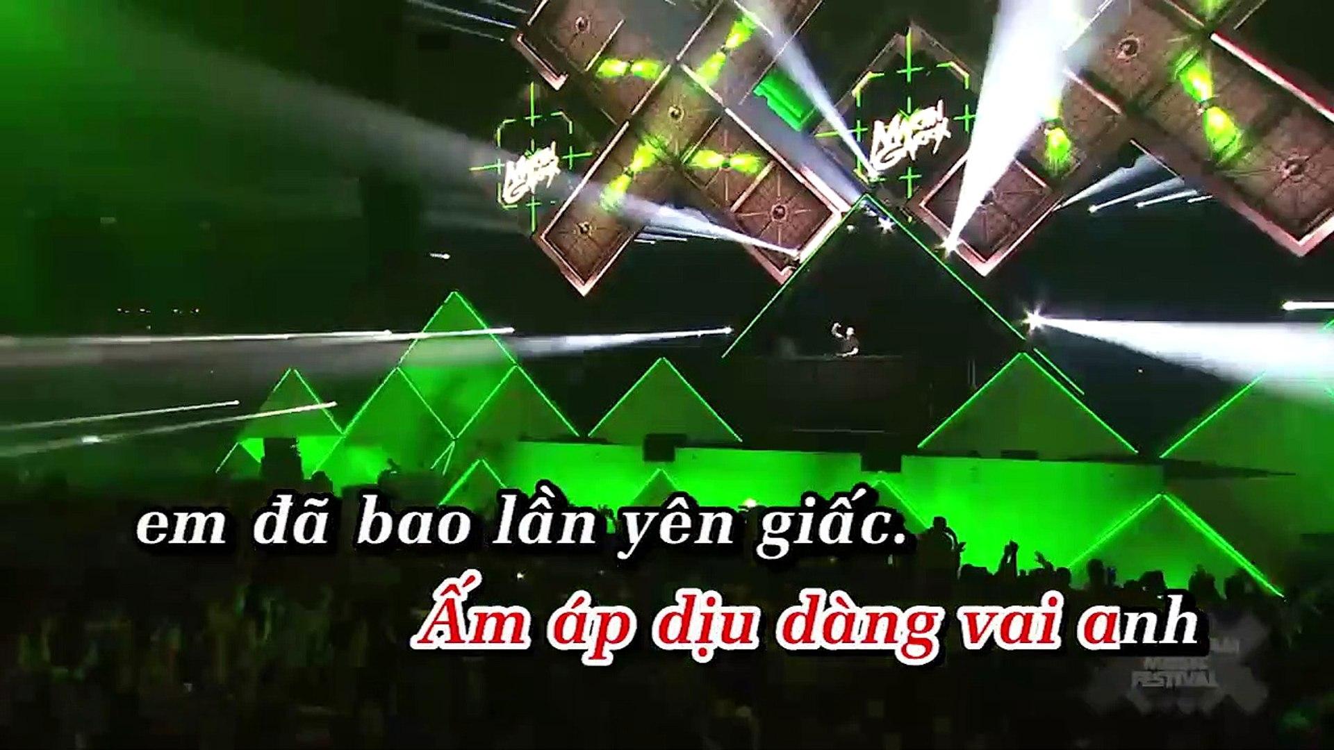 [Karaoke] Em Gái Mưa (Dj.t-Bản Remix) - Hương Tràm [Beat]